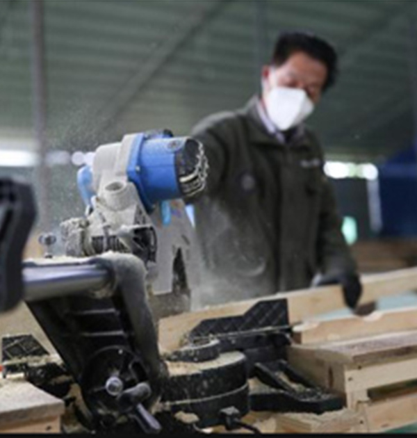 胶合板生产加工